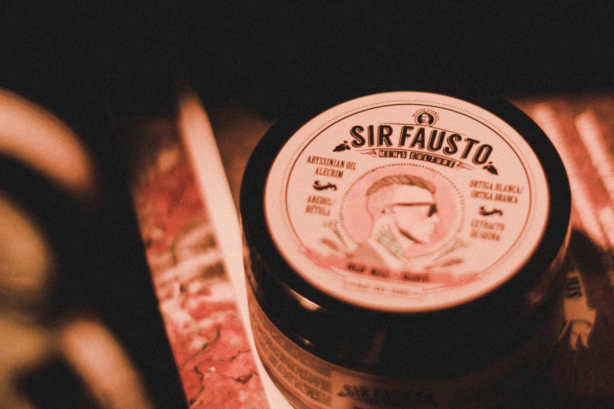 El Lanzamiento de Sir Fausto Chile se llevó a cabo en la Peluquería Francesa