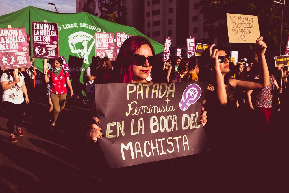 ÚNICA INVESTIGACIÓN SOBRE LA HISTORIA DEL FEMINISMO CHILENO POSDICTADURA REGRESA A LAS LIBRERÍAS NACIONALES