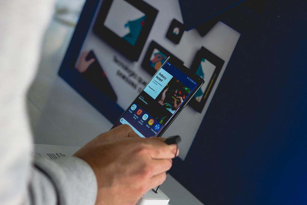 Samsung, Lanzamiento / Fran Calderón - LPL ESTUDIO