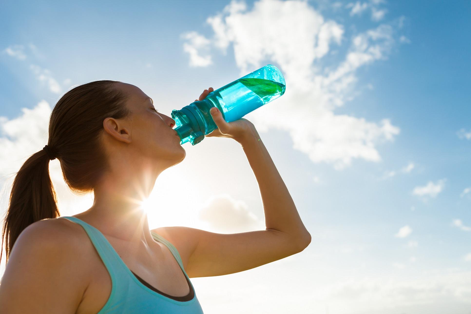 Cómo el agua ayuda a mantener un sistema digestivo saludable