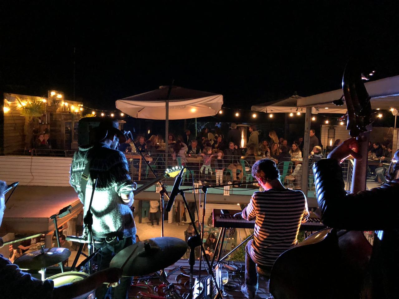 Todos los Sábados Música en vivo en Casa Las Cujas de Cachagua
