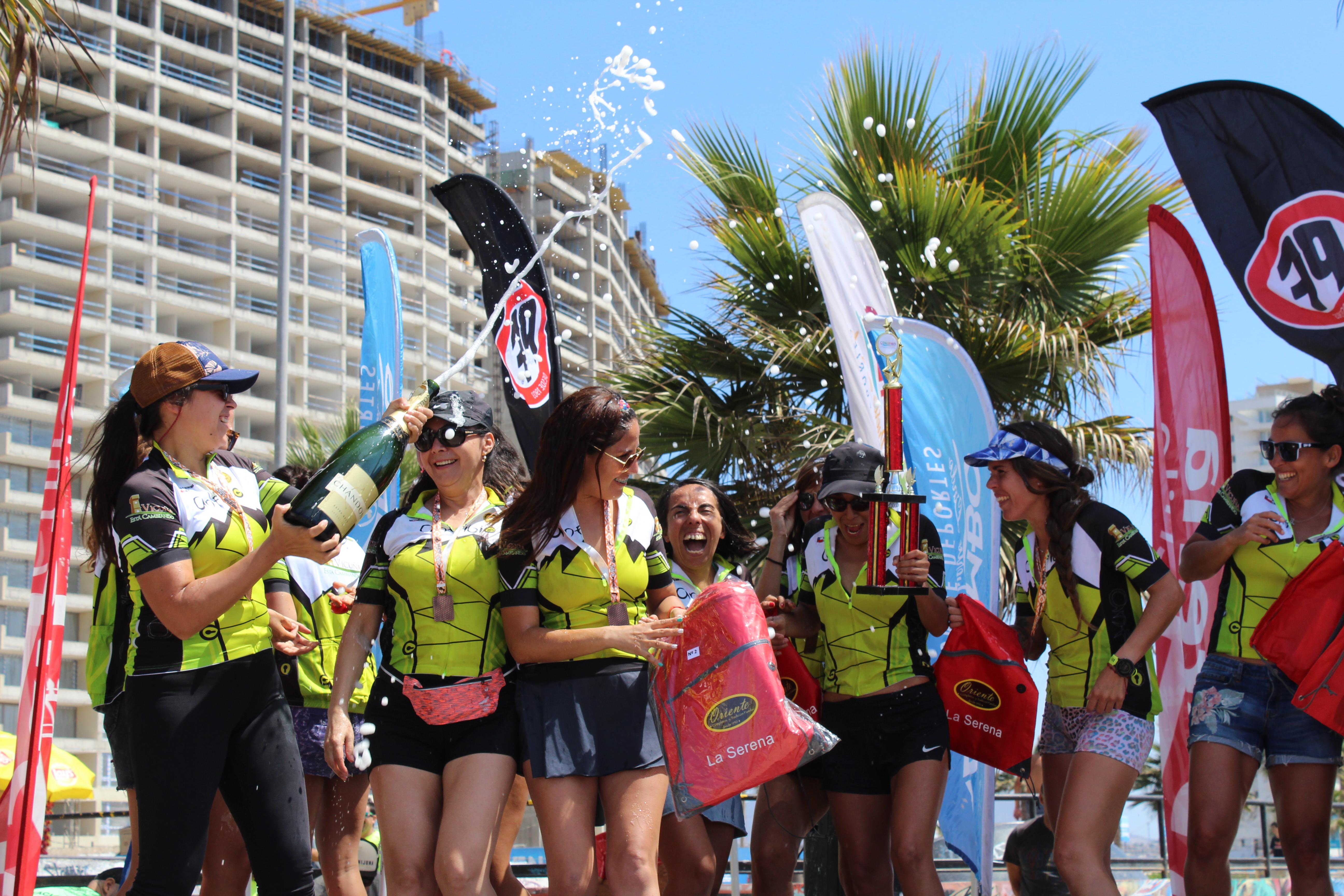 Equipo Anfibio femenino logra segundo lugar en Maratón Extreme 506k