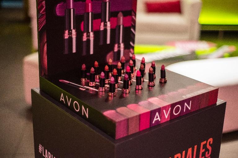 ¡Exprésate sin límites! Avon presentó en Chile los nuevos labiales Ultra Matte y Matte Líquido